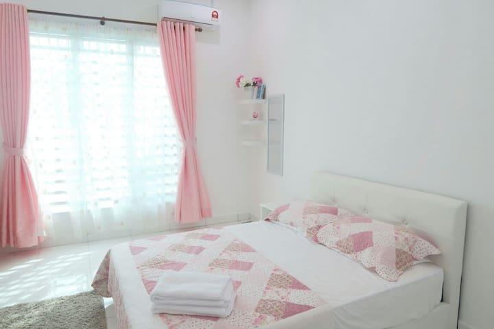 Nuhayra Place : Muslims Homestay & Guest House - Kepala Batas - Casa de huéspedes