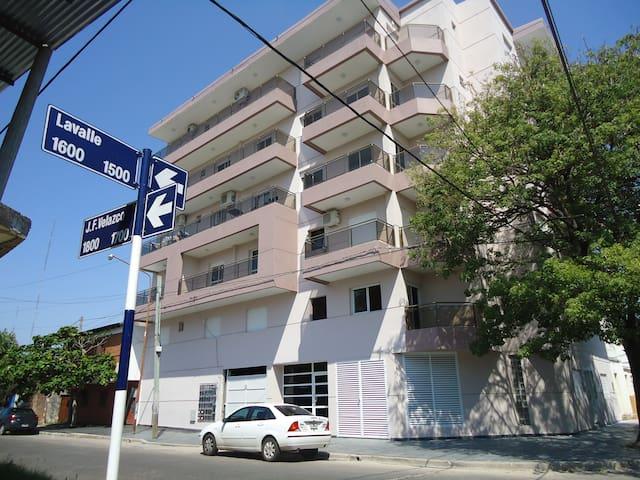 Departamentos Milano - Corrientes - Lägenhet