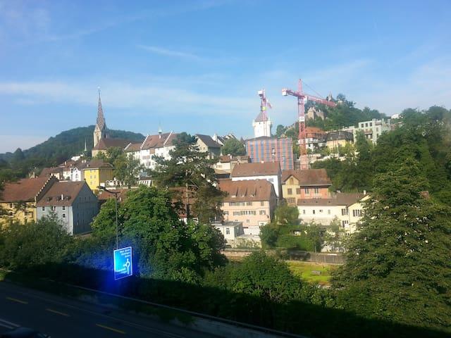 Modern, comfortable in Baden center - Ennetbaden - Bed & Breakfast