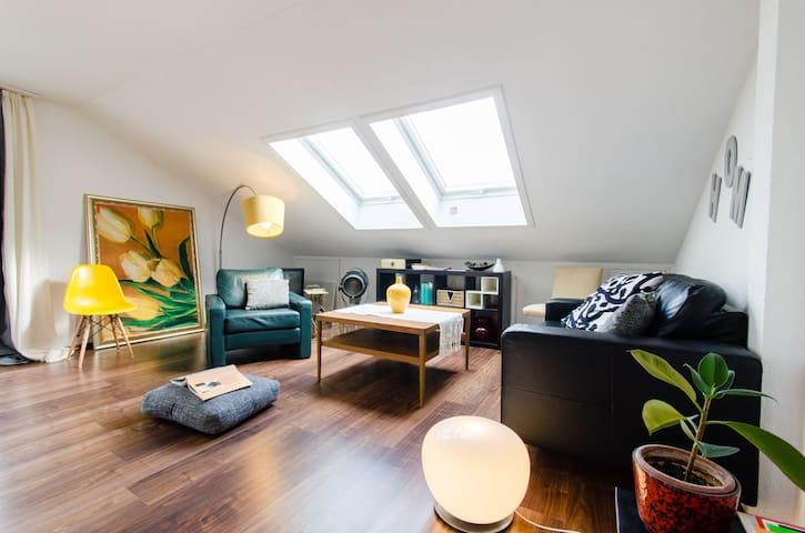 central Sunny&Modern 3brApt. parkin - Stuttgart - Apartemen
