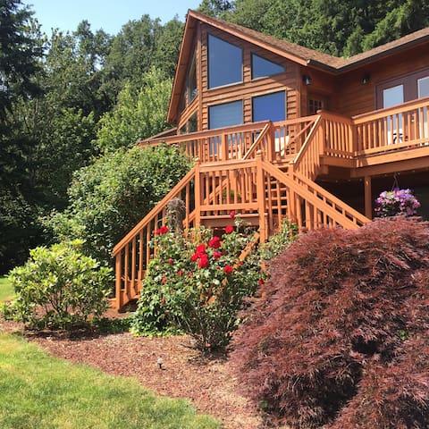 Hillside Haven 2 bdrm suite (Private Lower level) - Stayton - Huis