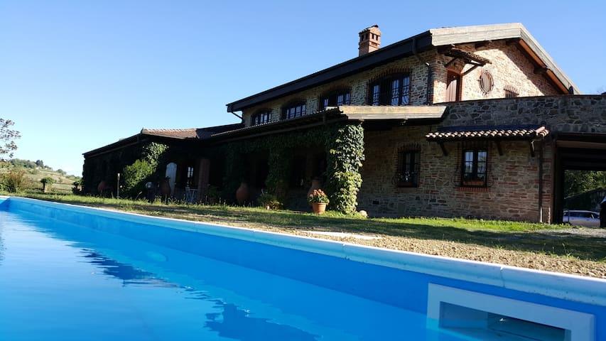 Villa in Monferrato with pool - Cremolino - Villa