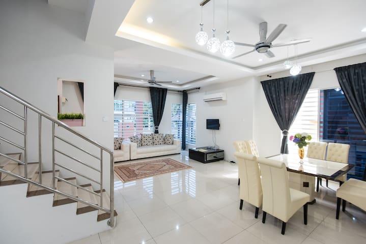 Hana Suites Guesthouse KLIA - Bandar Baru Salak Tinggi, Sepang - Casa