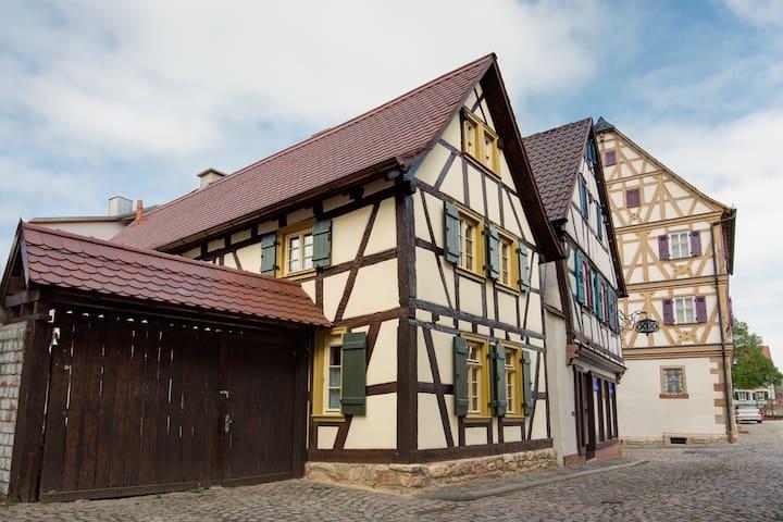 Kleines Fachwerkhaus - Großostheim
