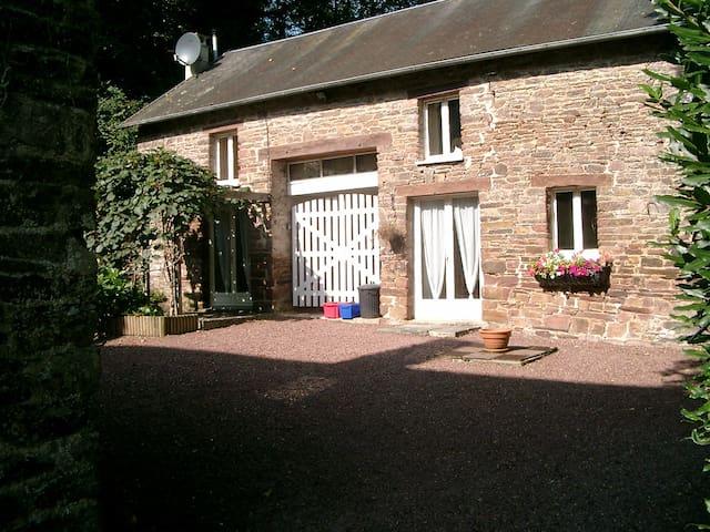 Moudre de Grebe Cottage at the Moulin de la Roque - Montpinchon - Hus