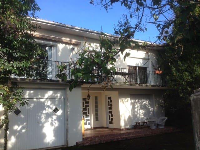 Maison VIC en BIgorre. - Vic-en-Bigorre - Ev