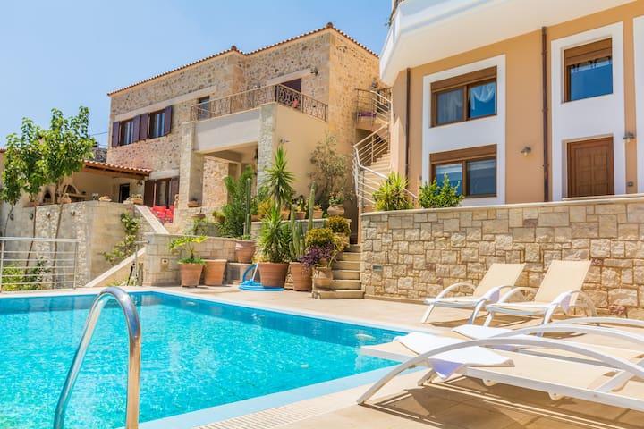 Christina's home, private pool and view - Iraklio - Villa