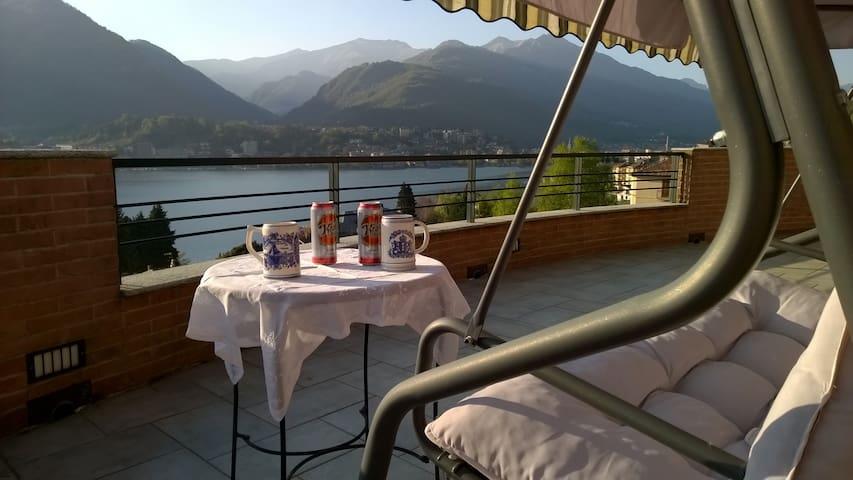 Mansarda con meravigliosa vista sul Lago d'Orta - Omegna - Villa