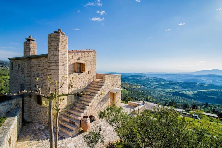 Panoramic View Villa in OliveGroves - Loutraki - Ev