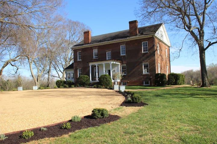 Historic Presqu'Isle Estate - Remington - Villa