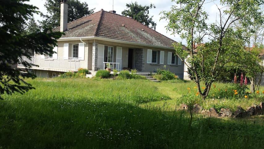 maison individuelle 3 ch  6 personnes Forez - Nervieux - Casa