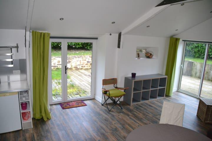 Studio cosy pour 2 personnes dans longère - Paimpont - Apartamento