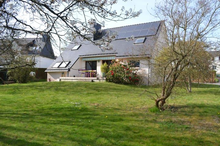 Trois chambres chez Eric et Véro à Quimperlé - Quimperlé - Дом