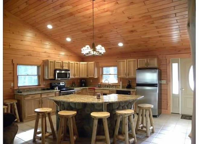 Gore Mountain Log Cabin Getaway - North Creek - Cabaña