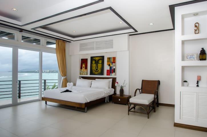 3 bedroom penthouse overlooking the ocean - Malay - Lägenhet