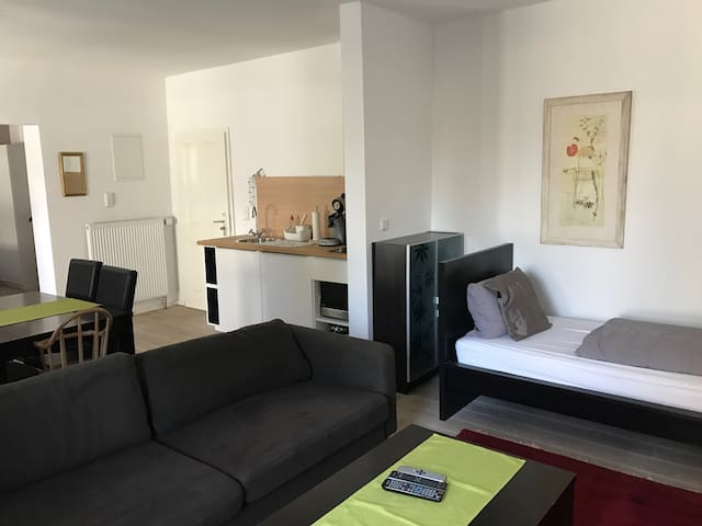 Privates 3 Pers. Apartment mit Bad - Essen