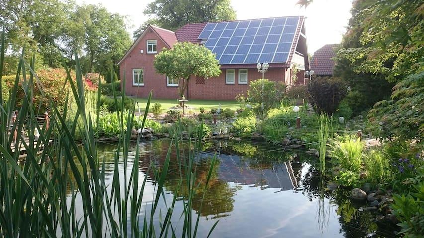 Landhaus mit schönem Garten - Großefehn - Hus