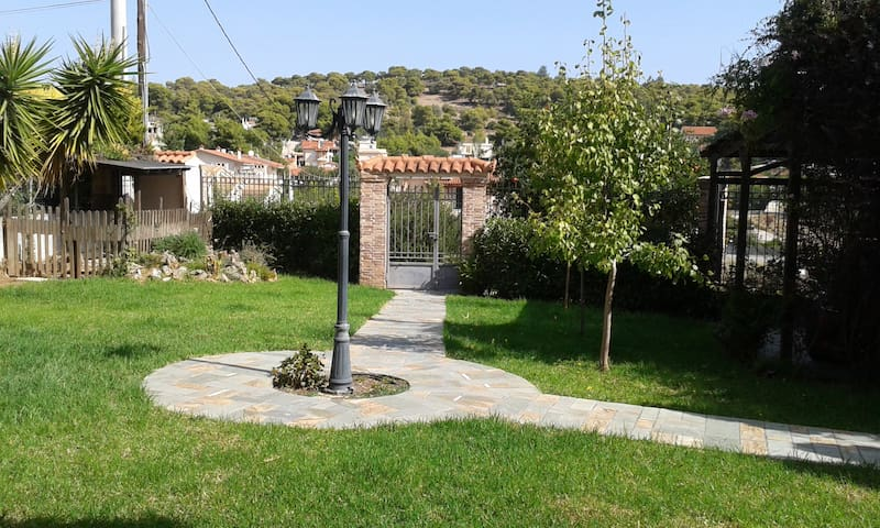 Dora's home near the sea & the airport - Porto Rafti - Apartamento