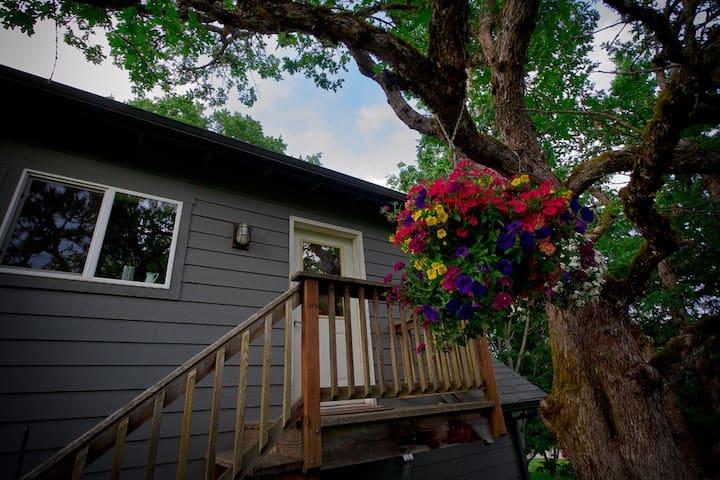 The Treetop Loft - Underwood - Appartement