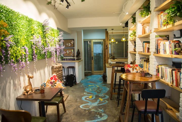 *stay inn*4 rooms*near by  train and bus station* - Leshan - Apartamento