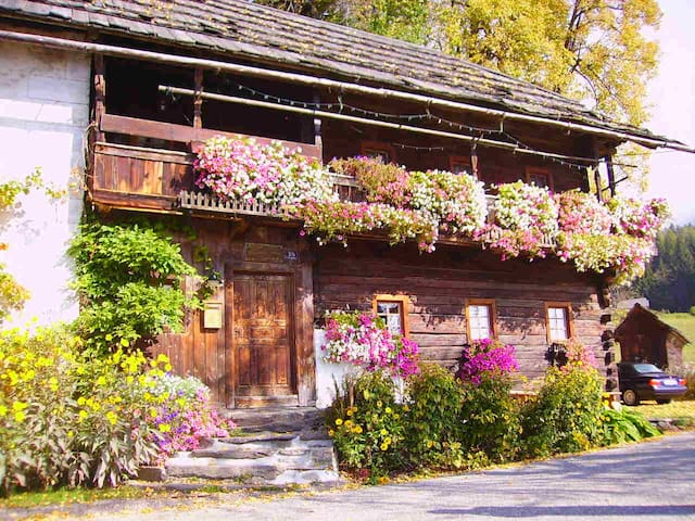 Charming chalet- 500 years old! - Mooswald - Hus