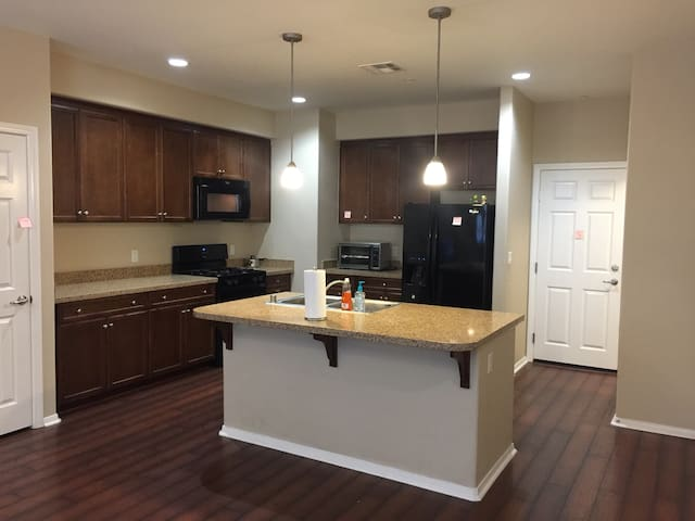 Clean and private condo in chino - Chino - Apartamento