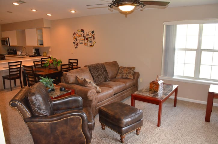 Penthouse -Holiday Hills -Indoor Pool - Branson