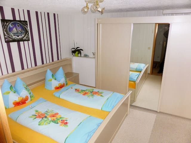 """Schneider"", 2-room granny flat 40 m² for 2 persons - Geschwenda - Departamento"