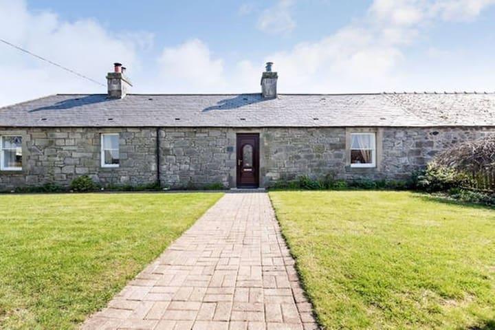 Cosy, country holiday retreat close to city - Kirknewton