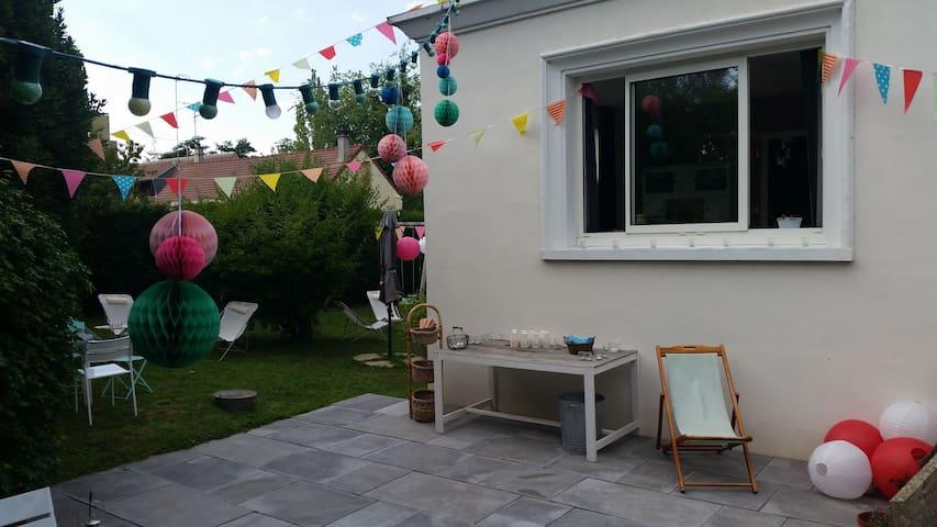 Maison de ville calme avec jardin - Évreux - Casa