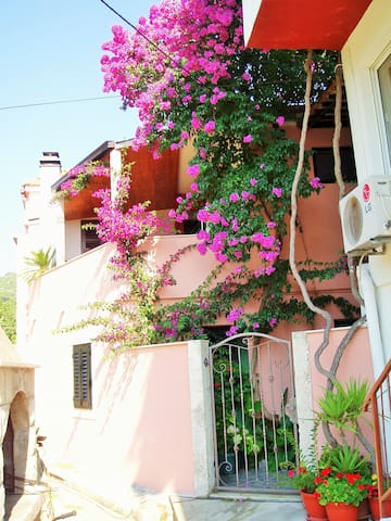 Apartment with Terrace by the Sea - Dubrovnik - Apartemen