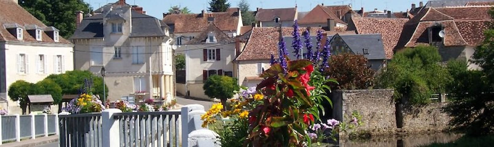 Tranquil central location, Belabre, Indre, France - Bélâbre - Huis
