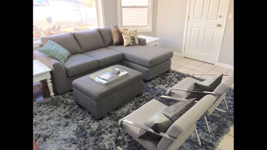2 Bedroom space, bright and roomy - West Kelowna - Casa