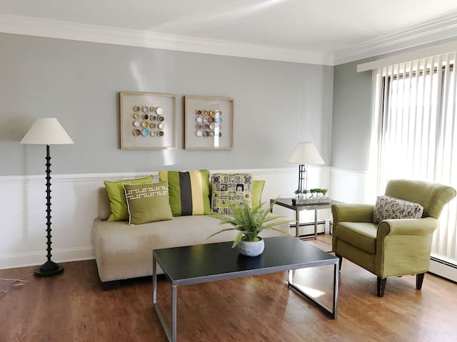 Stylish & Modern 1BR Apartment in Royal Oak - Royal Oak - Apartamento