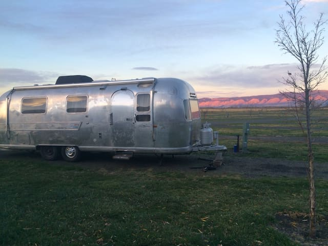 Glamping at Grande Hot Springs - La Grande - Camper