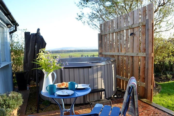 Whitfield Bothy Cottage & Hot Tub - Coldingham - Дом