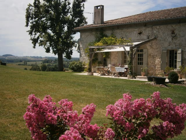 Stunning, high-quality farmhouse in Lot & Garonne - Beaugas - Casa
