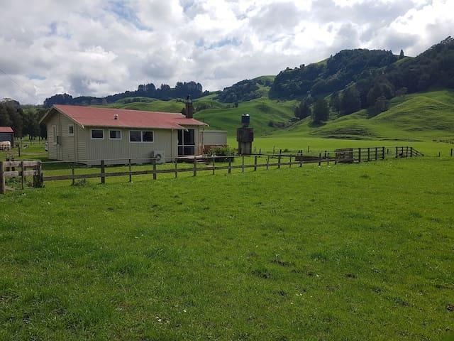 Farm Cottage on Waitomo Valley Rd. - Otorohanga - Дом