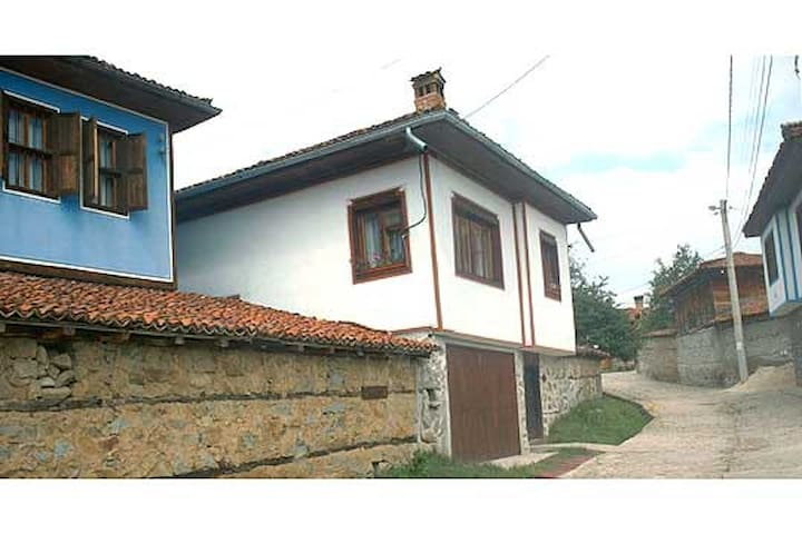 Topolka guest house - Koprivshtitsa - Appartement