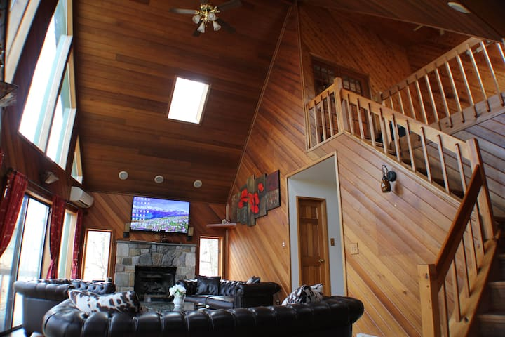 LAKEFRONT 5bd House in Pocono - East Stroudsburg - Σπίτι