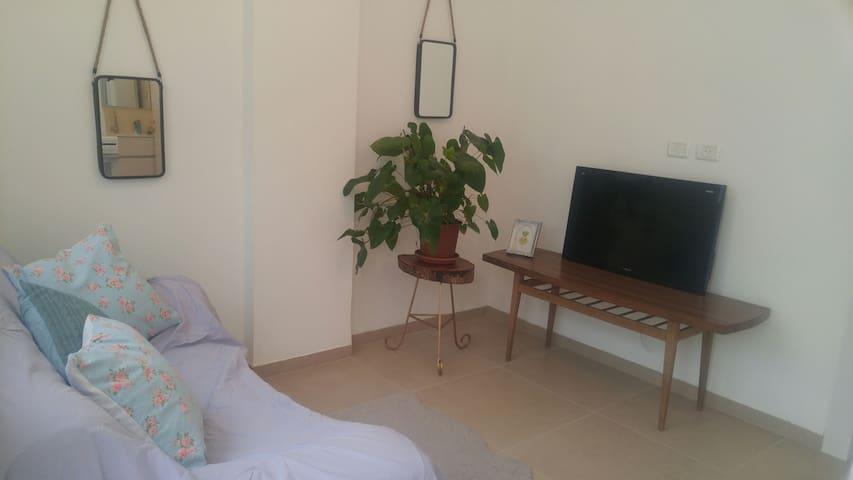 3 Bedrooms vacation apartment - Gesher HaZiv - Apartamento
