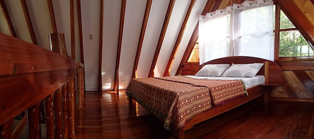 Spacious home by the Bohol Sea - Siquijor