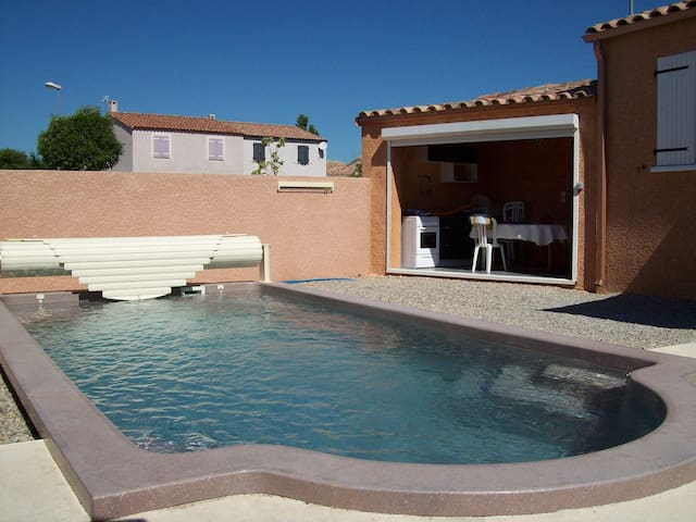AGREABLE VILLA 6 PERSONNES, Avec Piscine Privative - Canet - Ev
