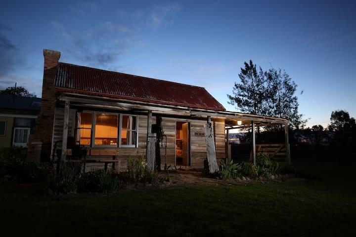 Historic pioneers hut Prestigious Boorolite Valley - Boorolite - Chalet