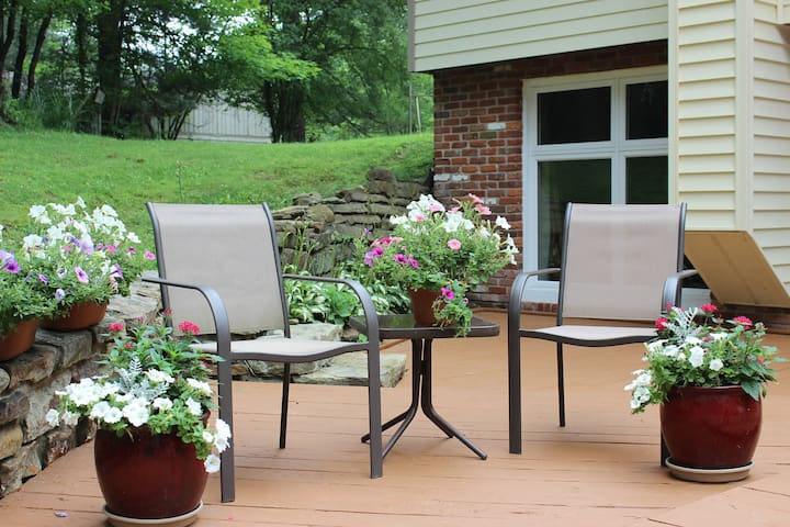 Private, Wooded Hideaway, 1/2 mile from shops/park - Nashville - Apartmen