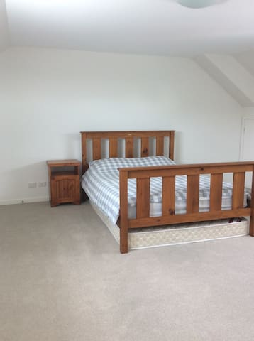 Spacious double room in Botany Bay - Botany - Hus