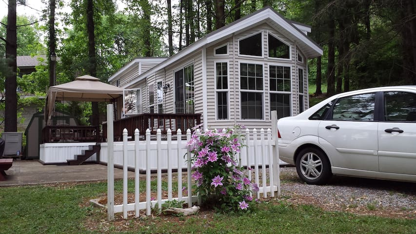 TN Lakefront Hideaway with dock - Piney Flats - Cabaña