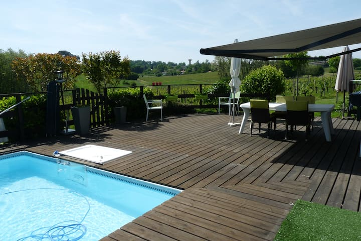 chambre à louer près de Bordeaux dans le vignoble - Quinsac - Huis