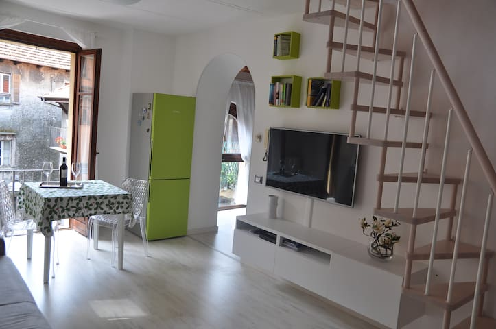 Apartment with private beach - Omegna - Appartement