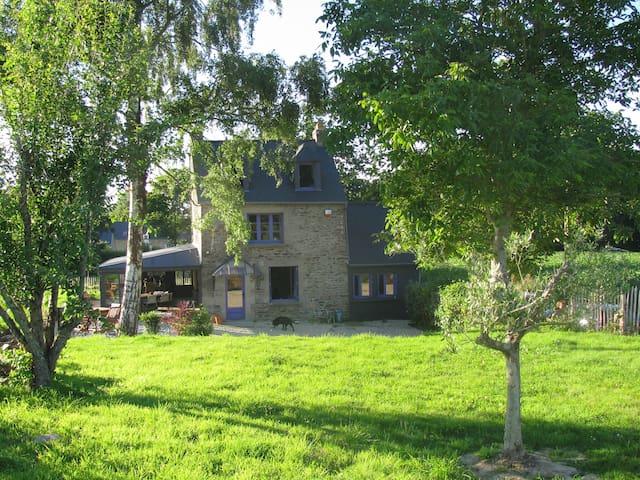 Maison campagne avec piscine entre Dinard et Dinan - Pleslin-Trigavou - Hus